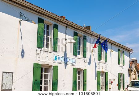 Town Hall (hotel De Ville) Of Saint-pierre-d'oleron - France