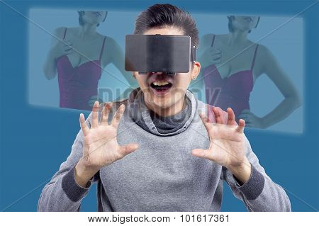 Watching Virtual Reality Sexy Movies