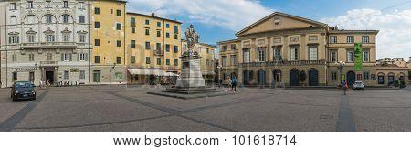 Lucca, Garibaldi's Square