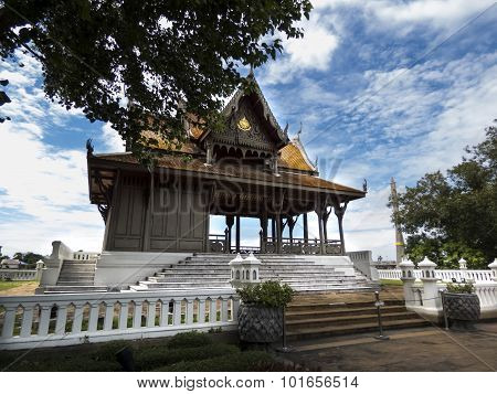 Buddist temple near Chao Phraya river, Bangkok