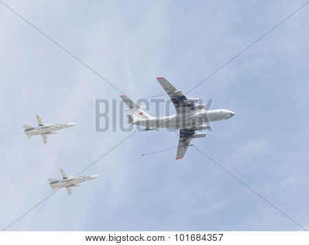 Il-78 And Two Su-24 In The Sky