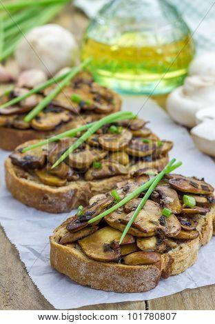 Balsamic Mushrooms And Green Onion Bruschetta