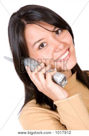 Hermosa chica en el teléfono