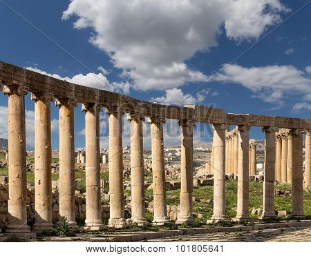Forum (Oval Plaza) in Gerasa (Jerash) Jordan