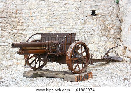 Ancient Gun 1