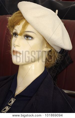 mannequins with retro clothing