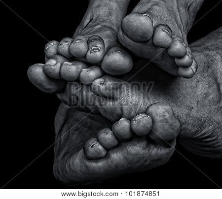 Very Nice striking Image of feet and Toes