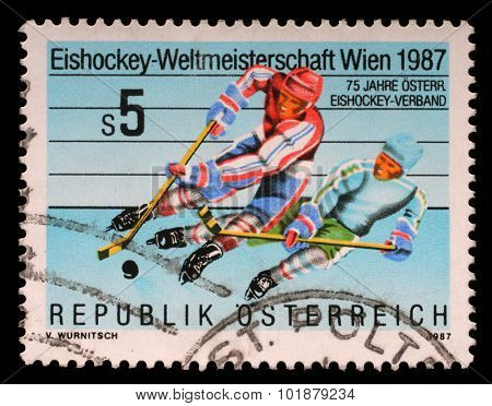 AUSTRIA - CIRCA 1987: A stamp printed by Austria shows Hockey championship in Wien, circa 1987