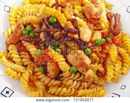 Pasta Collection - Fusilli With Peas And Chicken