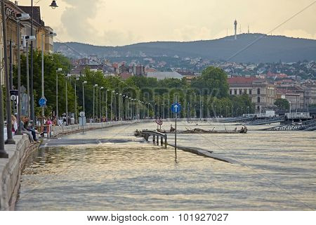 BUDAPEST, HUNGARY - JUNE 6: People at the flooding river Danube, June 6th 2013. Record breaking water level is expected in a few days.