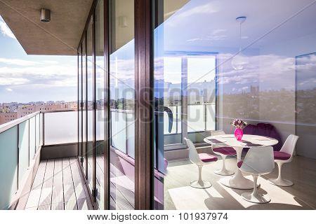 Luxury Apartment In The Skyscraper