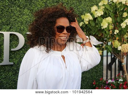 Oprah Winfrey attends US Open 2015 tennis match between Serena and Venus Williams