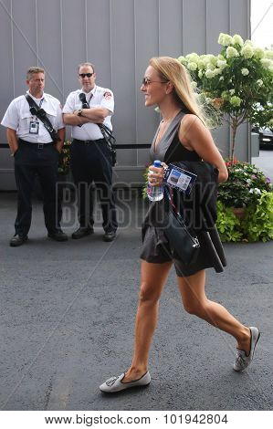Jelena Djokovic arrived for men's final match at US OPEN 2015