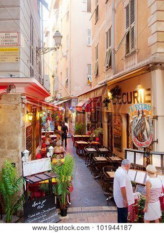 Sidewalk Restaurants In Nice