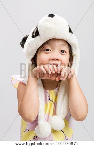Kid Pretending Animal Background / Kid Pretending Animal / Kid Pretending Animal, Panda, Studio Isol