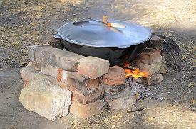 image of cauldron  - Cooking at the picnic  - JPG