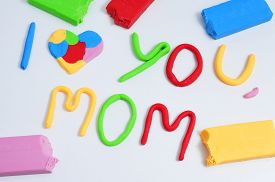 picture of i love you mom  - the sentence I love you mom - JPG