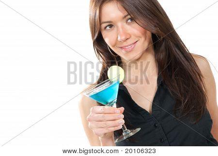 Mujer beber Martini Cocktail