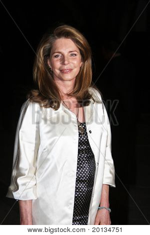 NEW YORK - APRIL 20: Queen Noor of Jordan arrives at New York State Supreme Court for the Vanity Fair party during the 2010 TriBeCa Film Festival on April 20, 2010 in New York City.