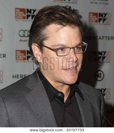 """NUEVA YORK - el 10 de octubre: Actor Matt Damon asiste a la Premier de """"Más allá"""" en el Alice Tully Hall en t"""