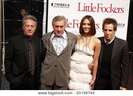NOVA YORK - 15 de dezembro: Dustin Hoffman, Robert DeNiro, Jessica Alba e Ben Stiller participar do mundo
