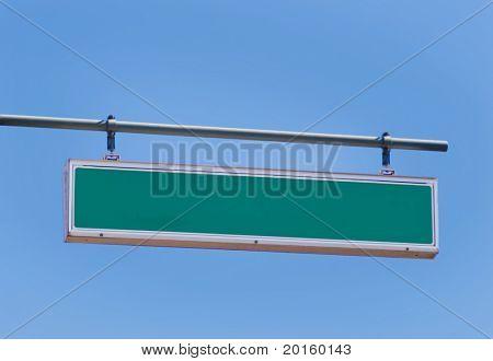 señal de tráfico en blanco para su entrada - apenas agregue el texto