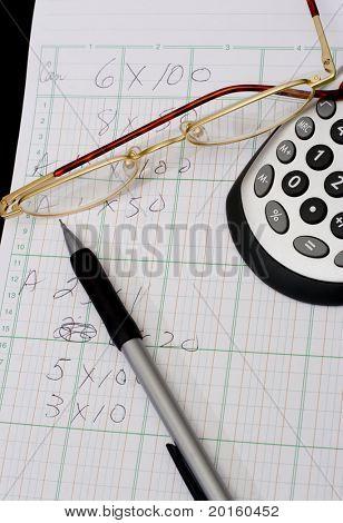 Pad mit Papier und Stift