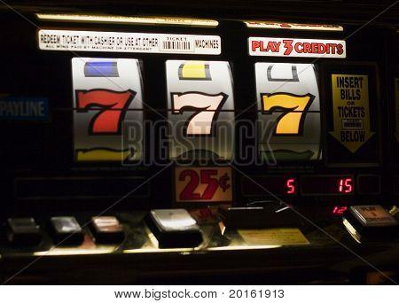 Triple 7's am Spielautomat