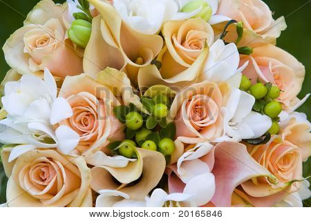 beautiful bouquet with peach and salmon colors
