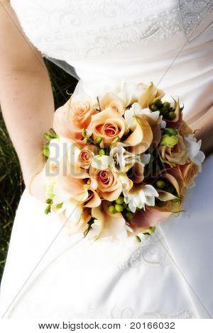 bride detail with bouquet