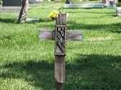 pic of peddlers  - Views of tombs in Hollywood Memorial Park in Los Angeles - JPG