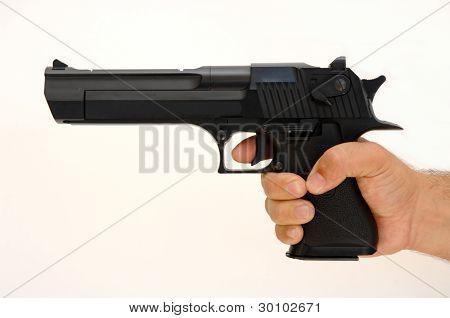 Arma en mano