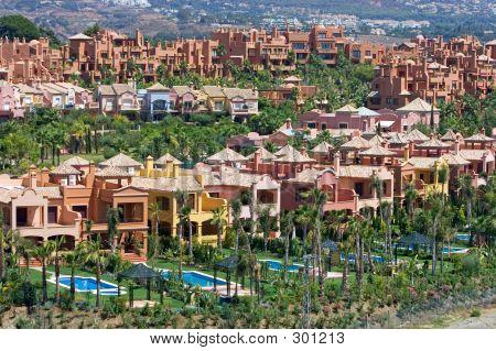 Costosos apartamentos y Townhouses en Nueva Andalucia en España