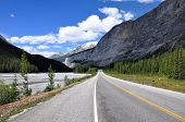 Icefields Parkway between Canadian Rocky Mountains