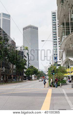 Rua no centro da cidade de Singapura