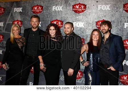 LOS ANGELES - DEC 10:  Lady Antebellum and spouses/dates arrive to the American Country Awards 2012 at Mandalay Bay Resort and Casino on December 10, 2012 in Las Vegas, NV