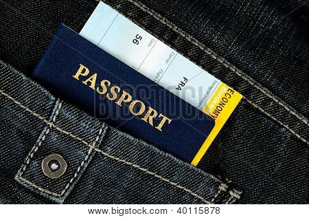 Pasport  In Jeans