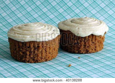Vegan Applesauce Muffins With Frosting