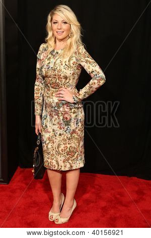 "NEW YORK-DEC 10: Ari Graynor attends the premiere of ""Les Miserables"" at the Ziegfeld Theatre on December 10, 2012 in New York City."