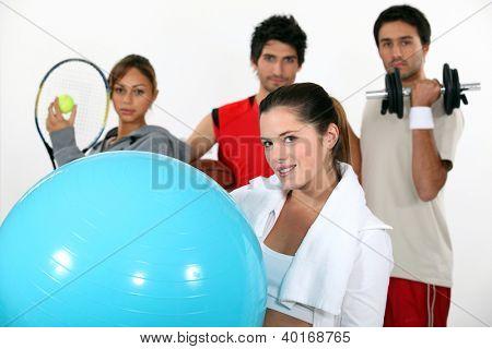 Jugendliche üben verschiedene Sportarten
