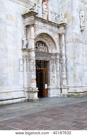 Facade of a cathedral in Italy