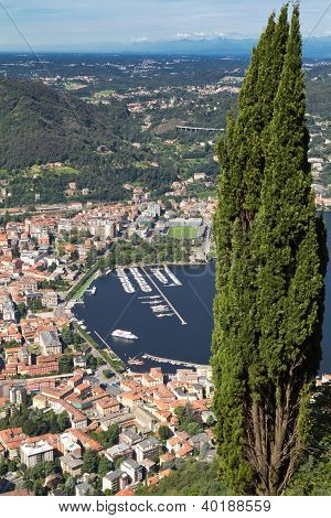 The small town of Como in Italy, Lombardia