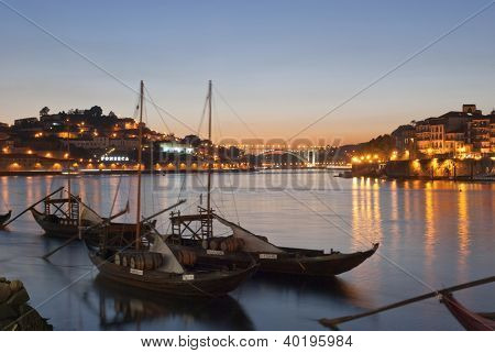 traditionelle Porto Wein Boote in Porto, portugal