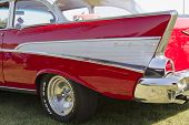 Rojo 1957 Chevy Bel Air Fin