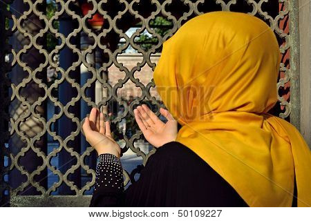 Islamic Old Gravestone In A Cemetery And Women