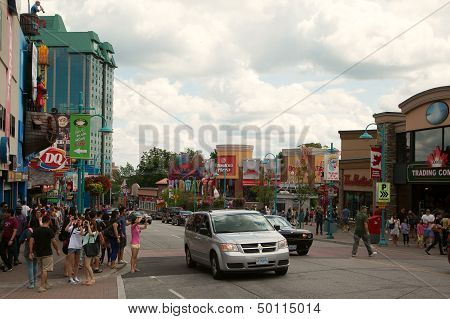 Niagara Falls, Canada - August 4: Famous Clifton Hills Street Area On August 4, 2013 In Niagara Fall