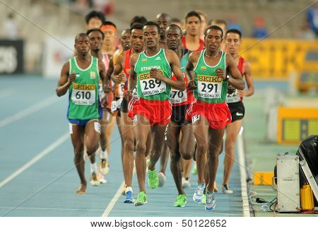 BARCELONA - JULY, 14: Competitors on 5000 meters event of the 20th World Junior Athletics Championships at the Olympic Stadium on July 14, 2012 in Barcelona, Spain