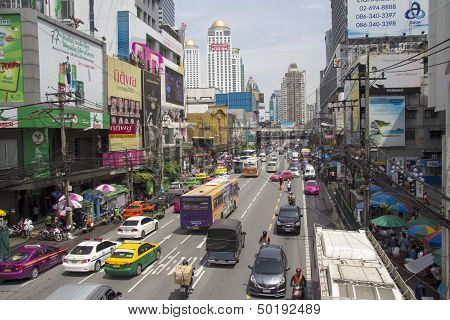 Bangkok, Thailand-sept 19Th: Petchaburi Road In Thr Pratunam District Of Bangkok On September 19Th