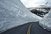 ������, ������: Road Thru Snow
