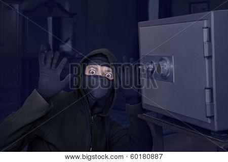 Catch The Burglar Concept